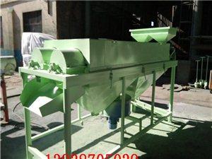 每小时能清理给1.5吨大米清理表面灰尘/大米抛亮机