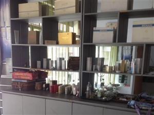 出售展示柜,美容院物品,每地方放给钱就卖