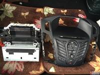 出售新福克斯原装汽车音箱及控制面板