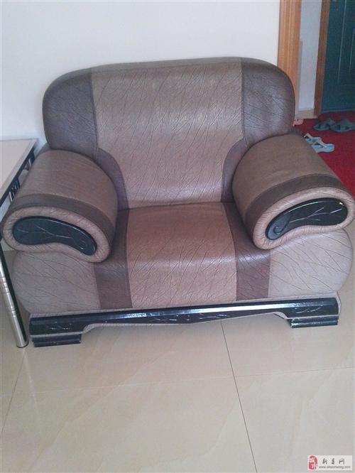 出售九成新組合沙發四件套