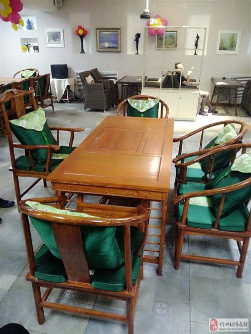 低价出售95新高档茶桌1桌6椅!只售3200元!