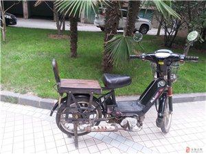 八成新助力摩托车,超省油。交警100%不查。
