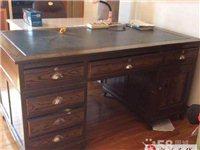 收一個二手書桌,帶兩個抽屜帶個小柜子的那種