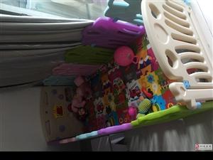 宝宝围栏,九成新,送海洋球和小玩具
