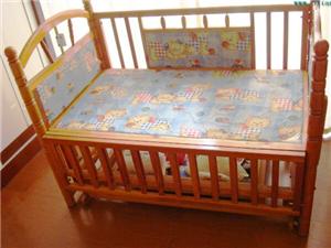 出售自用小龙哈彼此婴儿床一张