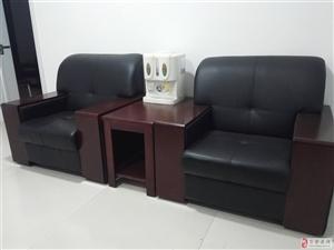 办公桌一套1800*900,沙发一对(带茶几)