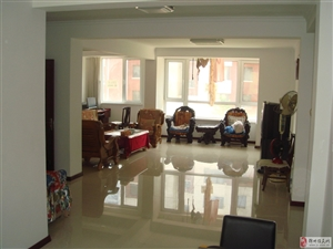 售海边华纺海岸城多层二楼108平包括全新装修和更名