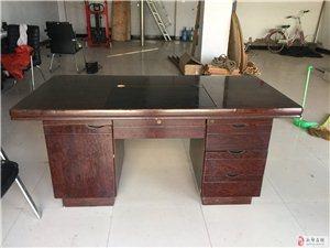 出售8成新电脑桌