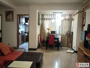 吉大九洲实用两房,兆福花园精装两房,精装配套齐全,看房有匙!