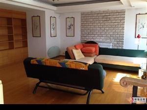 龙腾阁出租三房,大空间大尺度,居住舒适