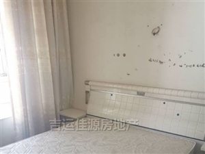 三轉盤融億小區3室2廳2衛2300元/月