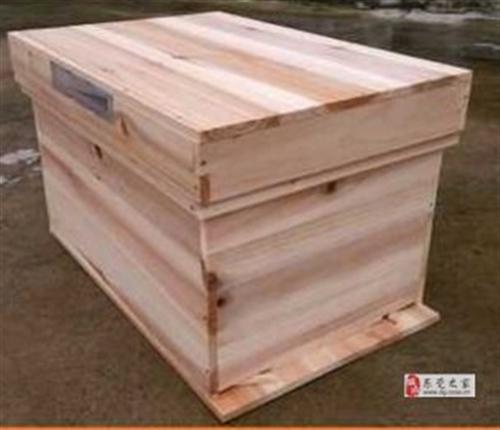 低價轉讓一箱蜜蜂(連同一全新蜂箱)