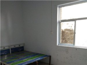 华阳学校附近有两室、套间出租、单间出租