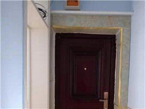 德民新2200元/月1楼小院9个房间