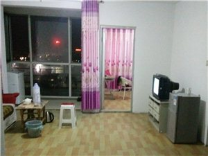 梅园三期3室2厅1卫1000元/月