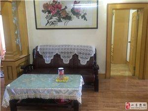 香閣明霞旁精裝修3室2廳實施齊全1500元/月