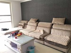 瑞景新城有三室出租,家电家具齐全,拎包入住