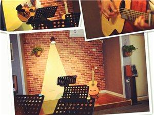 鄭州暑假學吉他就到巖子吉他小屋專業吉他教學