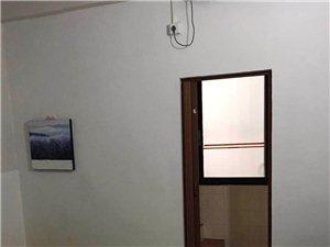 3室3衛350元/月/間,一次性全部租用, 可8.5折