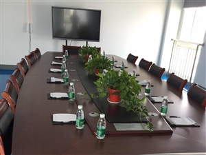 折价转让成套4.8m品牌会议室桌椅,几乎全新