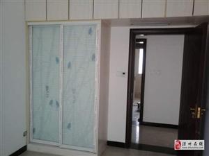 东海王府3室2厅2卫800元/月