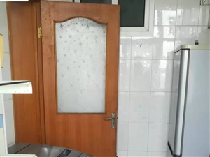 新盛小区2室1厅1卫800元/月包采暖价格可议