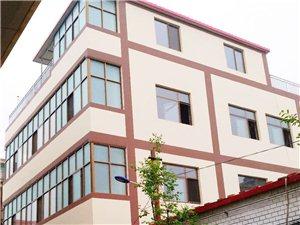 bwin必赢手机版官网世纪商贸城北肖楼村东街有一层楼260平米出租!