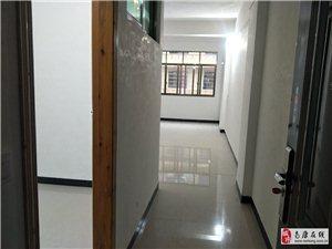 五中學區房出租新裝修2室2廳1衛550元/月