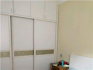 华科苑1室1厅1卫精装电梯房家具家电齐全