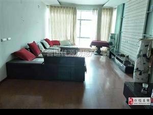 名酒宾馆大道边上4室1厅1卫2200元/月