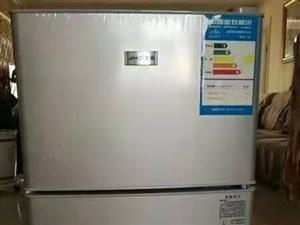 全新冰箱500元低价出售