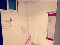 融辉精装电梯房,大一室一厅一卫,年租有优惠