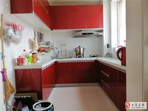 急售春港花园3楼141平三室通厅精装,超便宜