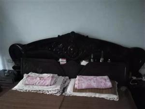 床、沙发,电视柜、赠送小家具