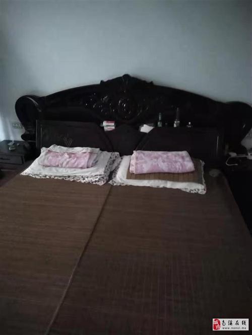 床、沙發,電視柜、贈送小家具
