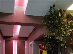 紫轩一期3室2厅1卫2000元/月。干净整洁