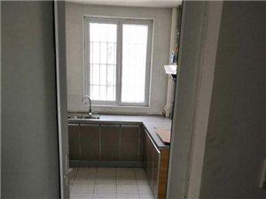 郑州港区6号地三室一厅套房出租