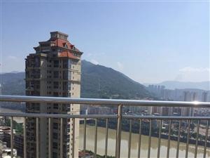 龙湖山庄6室2厅3卫188万元