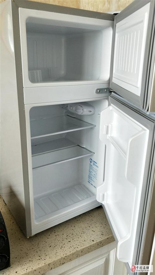 9成新大品牌小冰箱出售