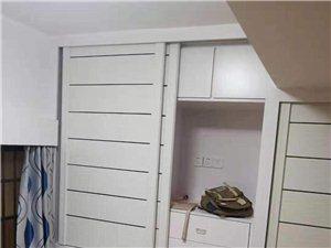 永辉超市楼上,单间,卫生间合用1室0厅1卫383元/月