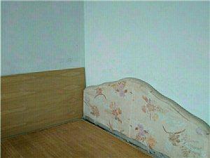 1653豪门庄园3室2厅1卫1300元/月