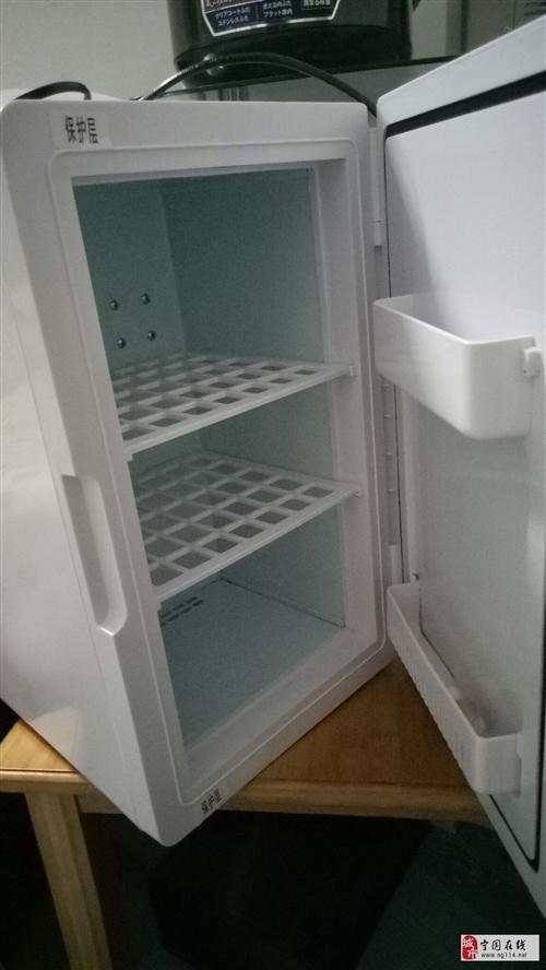 出一个小保险冷藏冰箱