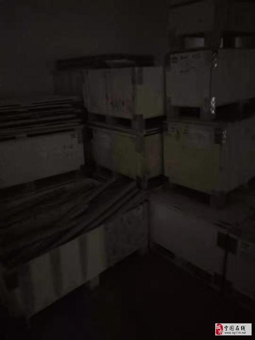 出售木箱子