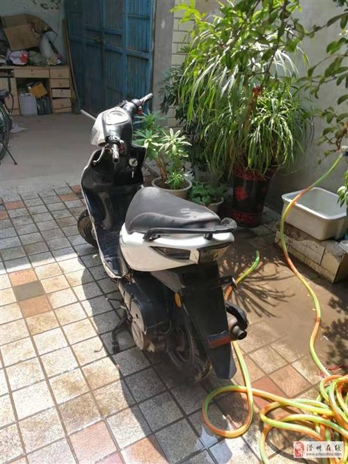 助力摩托車