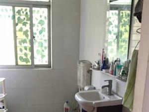 万豪欧尚3室2厅2卫2100元/月包物业包水电