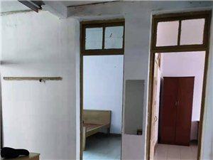 3室1厅1卫800元/月