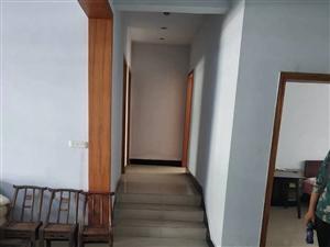 城东单位房精装关门卖142平65.8万价格还有少