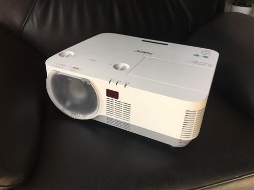 优惠出售投影仪机