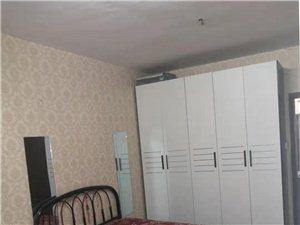 八一路南段谷养园楼上2室1厅1卫900元/月
