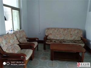 雍和府南门铁路宿舍四楼2室800元/月拎包入住